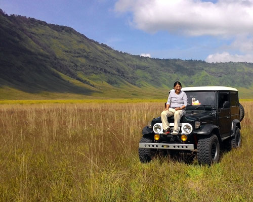 bromo-advent-jeep