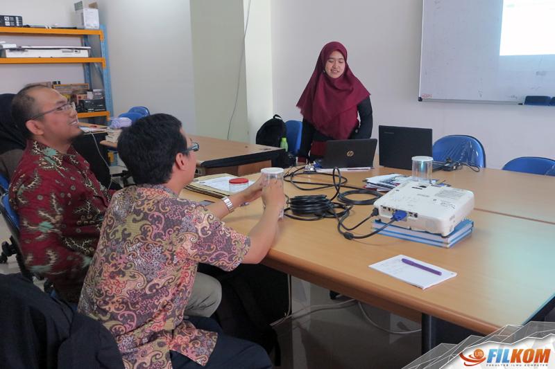 01_sesi_presentasi_penelitian_Fajar_di_grup_riset_geoinformatika