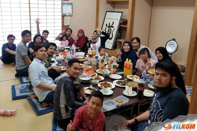 03_meet_up_dengan_anggota_persatuan_pelajar_Indonesia