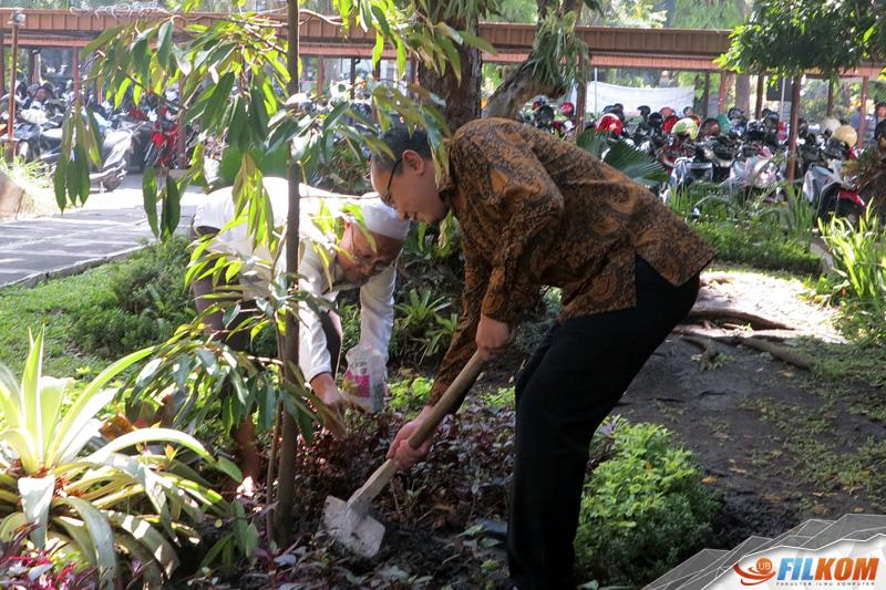 02_penanaman_pohon_durian
